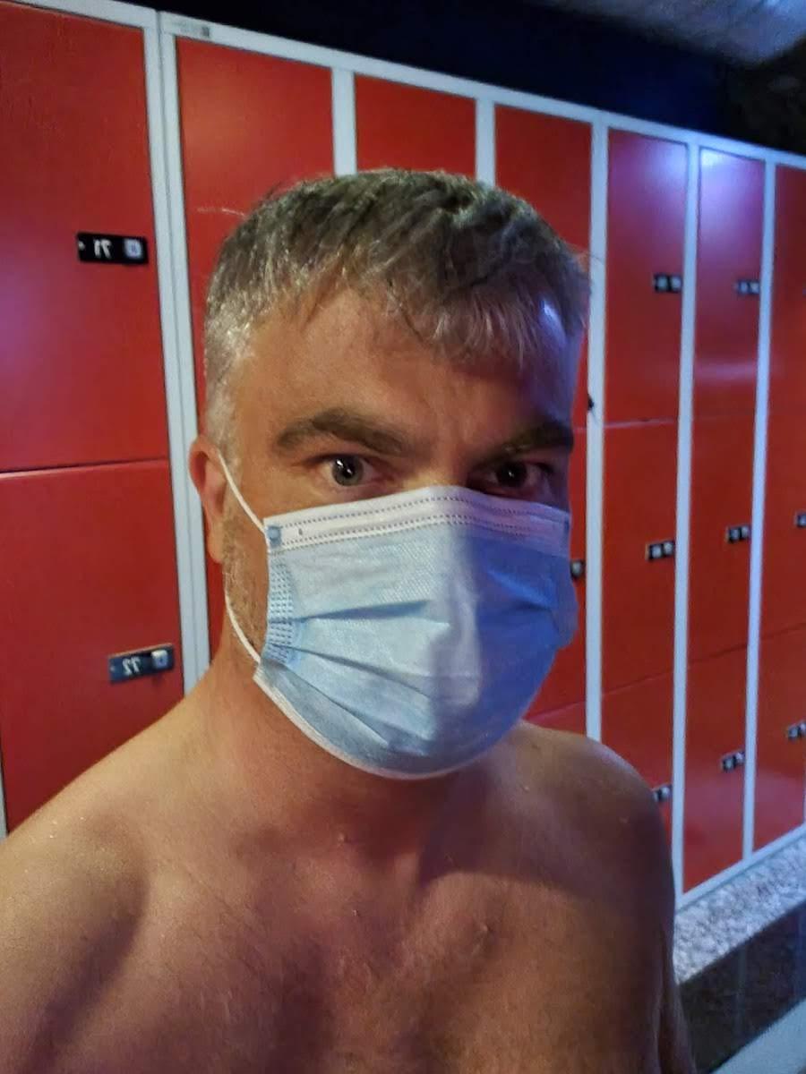 Phoenix Sauna Köln: Kondome und Mundschutz nicht vergessen!